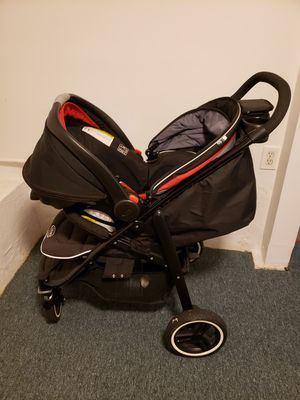 Car seat and stroller for Sale in Oakland, CA