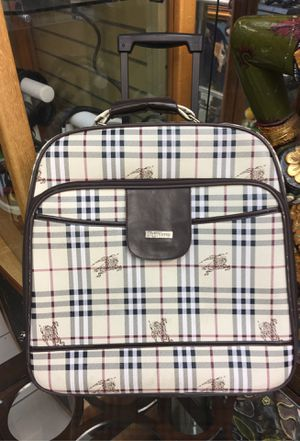 Burberry suitcase for Sale in Orlando, FL