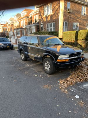 2004 Chevy Blazer LS 4WD for Sale in Queens, NY