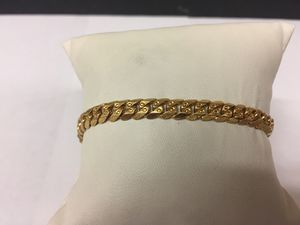 22kt YG bracelet for Sale in Carpentersville, IL