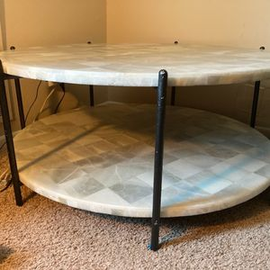 """40"""" Round White Marble Coffee Table for Sale in Naperville, IL"""