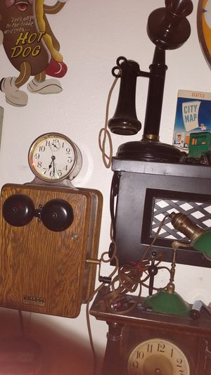 Early 1900s candle stick phone for Sale in Mountlake Terrace, WA
