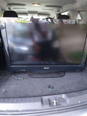"32"" Phillips t.v for Sale in Lancaster, PA"