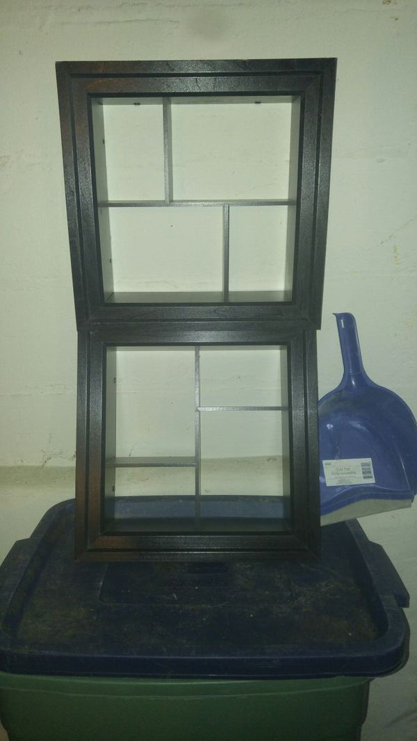 2 shadow boxes