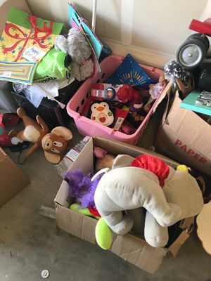 Toys FREE for Sale in Fresno, CA