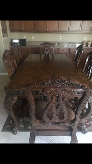 Dining room set hand carved wood for Sale in Beaumont, CA