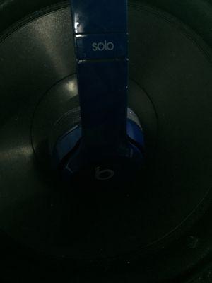 """ALMOST NEW"" BEATS SOLO 2 for Sale in Acampo, CA"