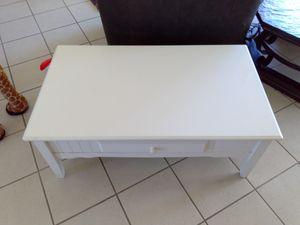 Small coffee table for Sale in San Luis Obispo, CA