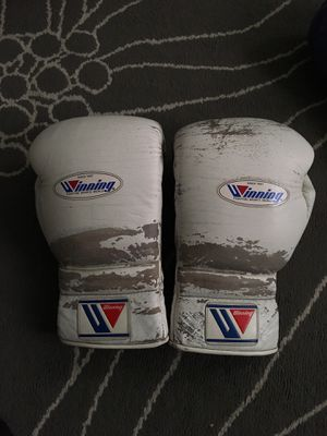 Winking boxing sparring gloves for Sale in Culver City, CA