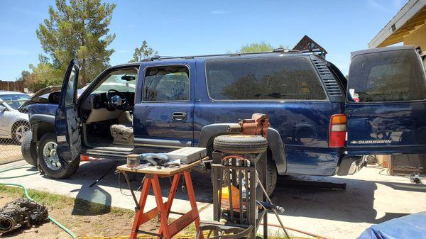 2001 chevy suburban make offer on parts yukon gmc