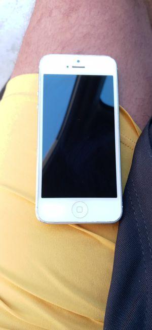 Iphone 5 for Sale in Los Nietos, CA