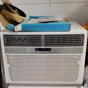 New Frigidaire 850-sq ft Window AC Unit for Sale in Nicasio, CA
