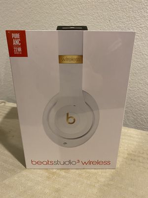 Beats headphones still in wrapping. for Sale in Las Vegas, NV