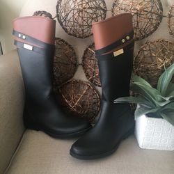 NEW TOMMY HILFIGER RAIN BOOTS for Sale in Nashville,  TN