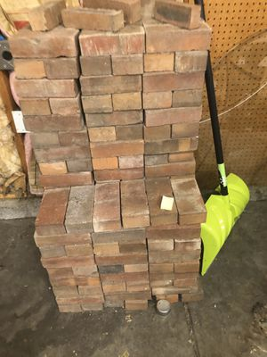 Free Bricks! Pick up only! for Sale in Aurora, CO