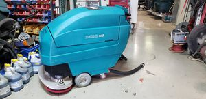 Floor scrubber Tennant 5400 with only 300 hours for Sale in Las Vegas, NV