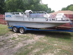1990 barco 14 personas 225 hp motor..5200 for Sale in San Antonio, TX