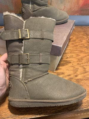 Bearpaw size 9 women's boots great condition for Sale in Tyrone, GA