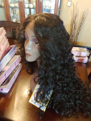 Curly long lace front wig! for Sale in Downey, CA