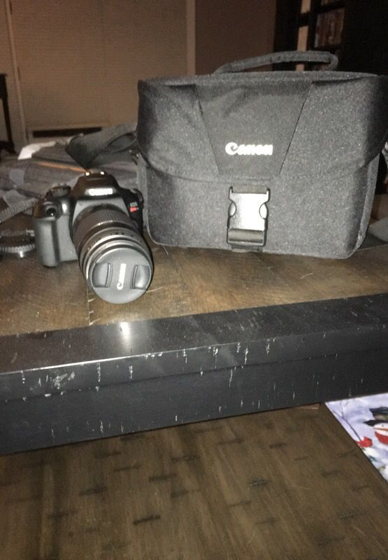 Canon t6 with camera bag and 75 to 300 mm lense