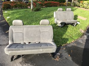 FREE. !!!!!!!Dodge caravan sits for Sale in Coconut Creek, FL