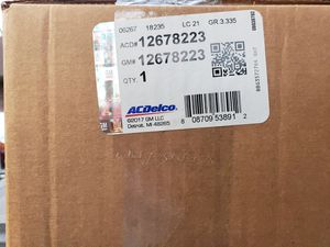 2014 +6.2 GM INTAKE MANIFOLD AND THROTTLE BODY for Sale in The Woodlands, TX