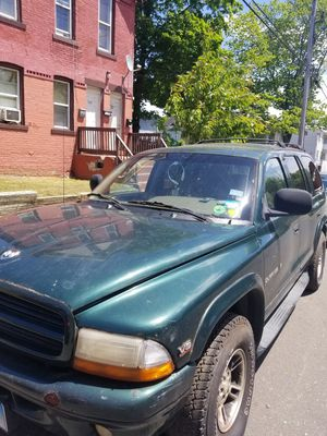 Dodge Durango 2000 for Sale in New Haven, CT