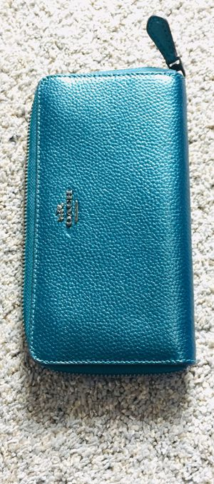 Coach Metallic teal pebble leather wallet 12 card slot for Sale in Tacoma, WA