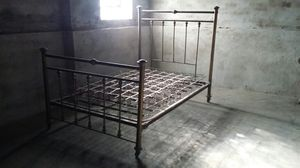 Brass bed frame for Sale in Chicago, IL