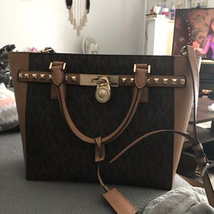 Michael Kors Bag for Sale in Canal Winchester, OH