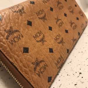 Authentic MCM Women Wallet for Sale in Houston, TX