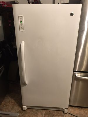 Ge freezer for Sale in Kissimmee, FL