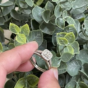 Diamond Ring Size 7 for Sale in Los Angeles, CA