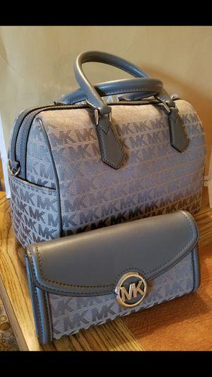 Michael Kors Purse & Wallet set for Sale in Glendale, AZ