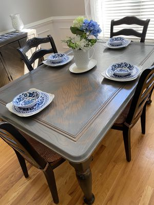 Fink g table and chairs with custom cushions for Sale in Garner, NC
