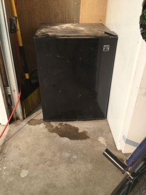 Kenmore mini fridge, perfect condition $75 for Sale in Modesto, CA