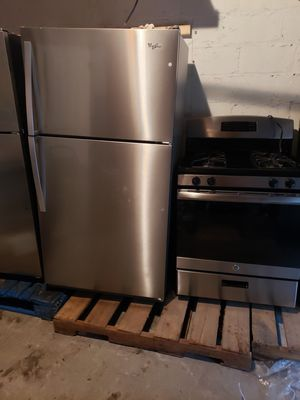 whirlpool fridge side 33 and GE stove stainless side 30 warranty 90 days warranty ready to deliver great condition for Sale in The Bronx, NY