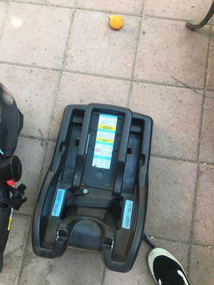 Newborn car seat for Sale in Industry, CA