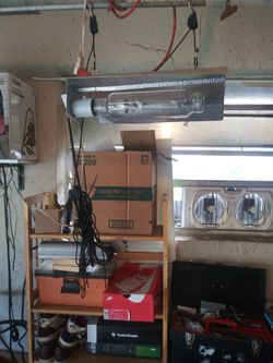 Grow Light. Vivosun With Balast And Two Bulbs for Sale in Fort Lauderdale,  FL