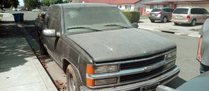 1998 Chevy Silverado parting out/ parts truck for Sale in Vallejo, CA