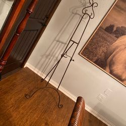 Iron Easel for Sale in Lorena,  TX
