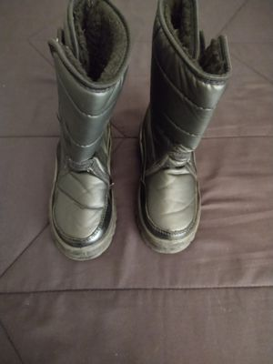 Kids Black Snow Velcro Boots Size 1 for Sale in Goodyear, AZ