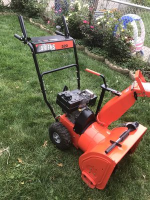Ariens 520 Snow Blower Excellent Condition for Sale in Cicero, IL