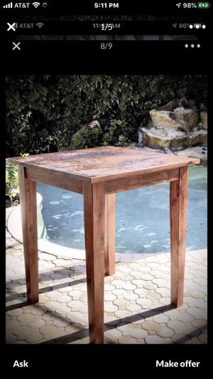 """Bar table /pub table or gathering table / H 42"""" x W 36"""" 🐾 perfect whether you are adding dining space to a kitchen, breakfast nook. Solid wood for Sale in Pembroke Pines, FL"""