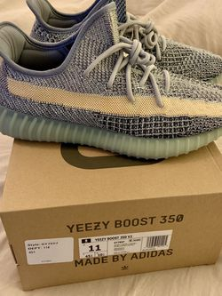 Yeezy Boost V2 350 10.5 for Sale in Smyrna,  TN