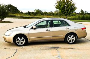 Price $$6OO Honda Accord 2004 One Owner! Excellent Condition for Sale in Atlanta, GA