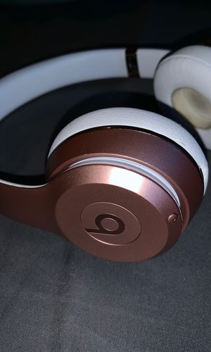 beats solo 3 (READ DESCRIPTION) for Sale in Egg Harbor City, NJ