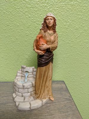 Water well lady figurine for Sale in Everett, WA