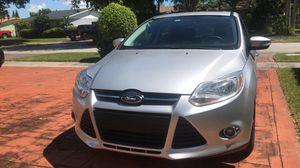 2014 Ford Focus SE hatchback for sale for Sale in Miami, FL