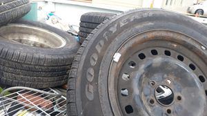 5 Goodyear tires for Sale in Kansas City, MO